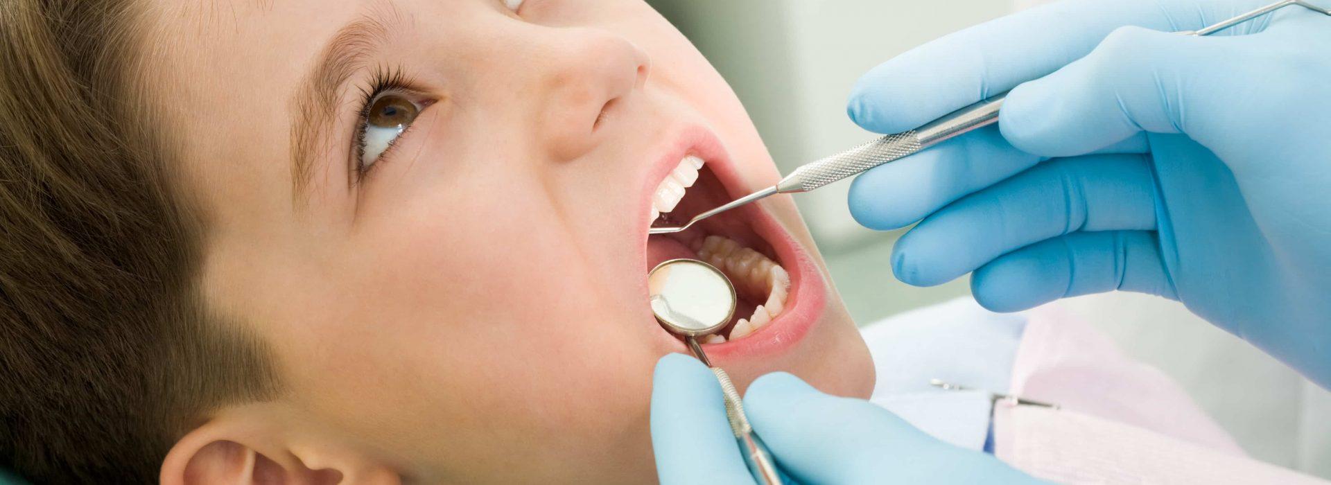 Dr. Boros Andrea szájsebész, fogorvos